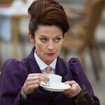 Michelle Gomez: 3 Questions, 2 Biscuits, and 1 Cuppa Tea