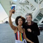 NEW PIX: Doctor Who S10 – Spanish Selfie – Pearl & Peter Head To Spain For Episode 2